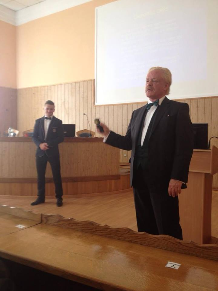 Robert Gorter lecturing in Ukraine