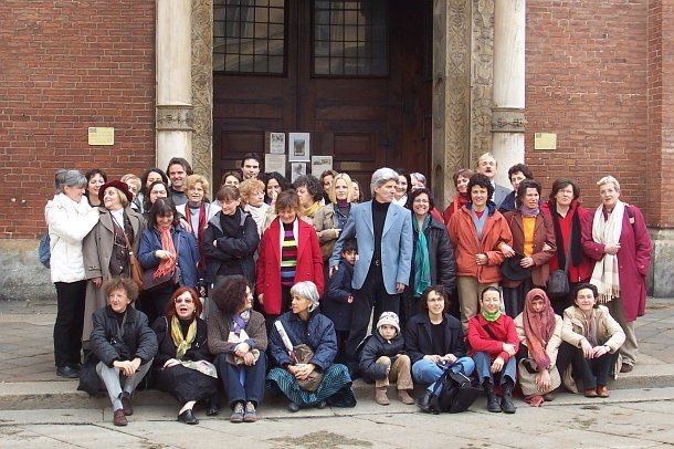 Robert Gorter and a group of students at the Easter Retreat (Milan 2005)